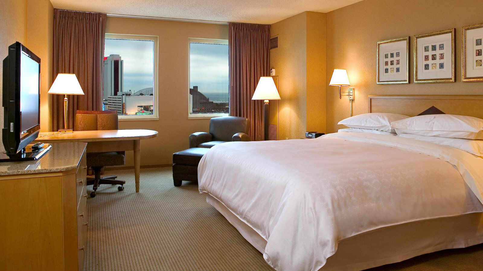 Atlantic City Accommodations | Deluxe Guest Room