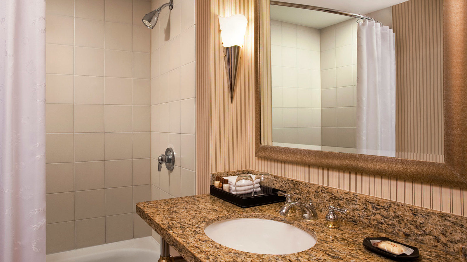 Sheraton Atlantic City Hotel Guest Room Amenities | Bathroom